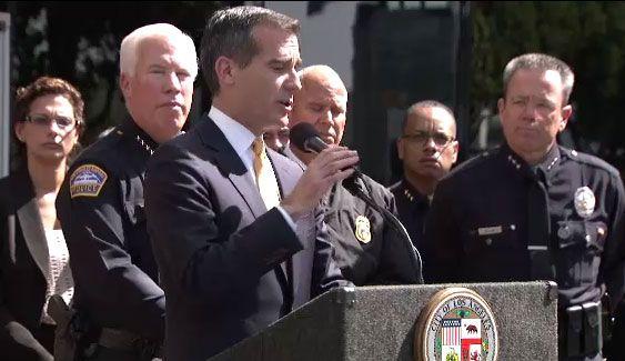 Alcalde de Los Ángeles respondió en rueda de prensa las interrogantes so...