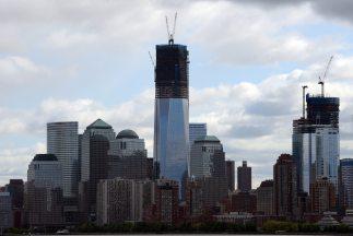 La Torre Uno del WTC en Manhattan, conocida anteriormente como Torre de...