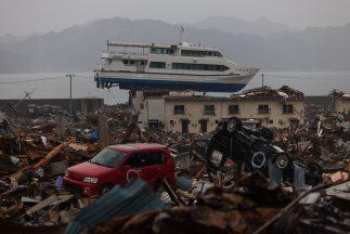 En marzo de 2011 un terremoto de 9 grados Richter causó un tsunami en Ja...