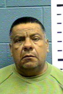 Eddie Espinoza, ex alcalde de Columbus,fue sentenciado a cuatro años y...