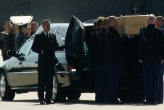 Llegan los primeros cuerpos de las víctimas del MH 17 a Holanda