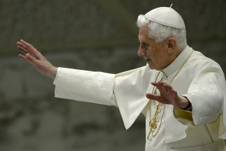 La irrupción del latín en Twitter pareció expresar el interés del papa B...