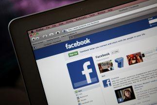 Facebook ensaya cobrar para garantizar que le lleguen mensajes a usuario...