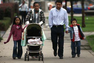 La población hispana en Estados Unidos representa el 16.3 por ciento de...
