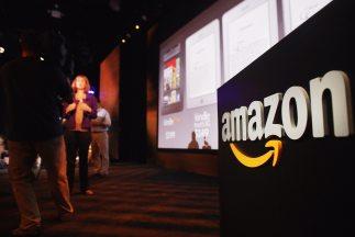 Crece el debate sobre el plan de Amazon de hacer entregas con drones.