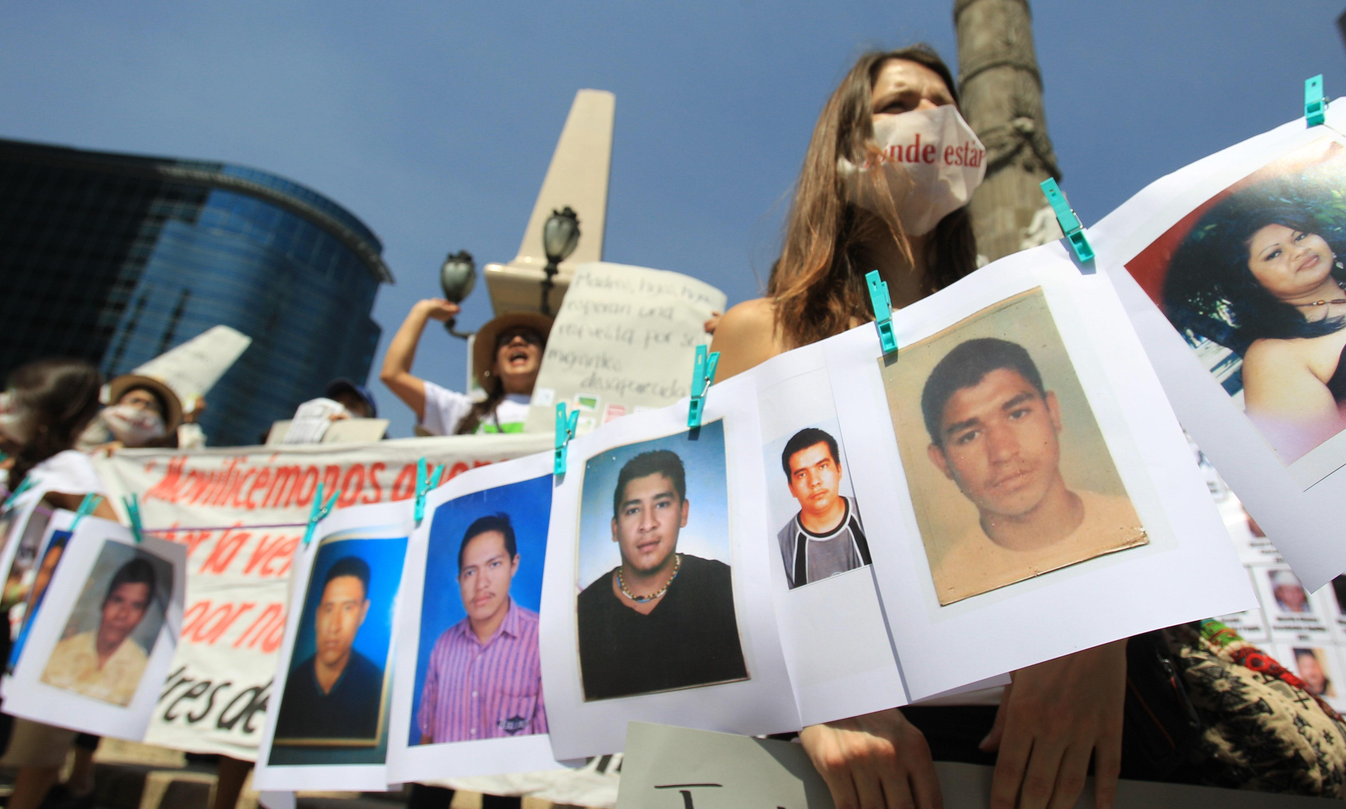 Manifestación en el día de la madre por los desaparecidos.