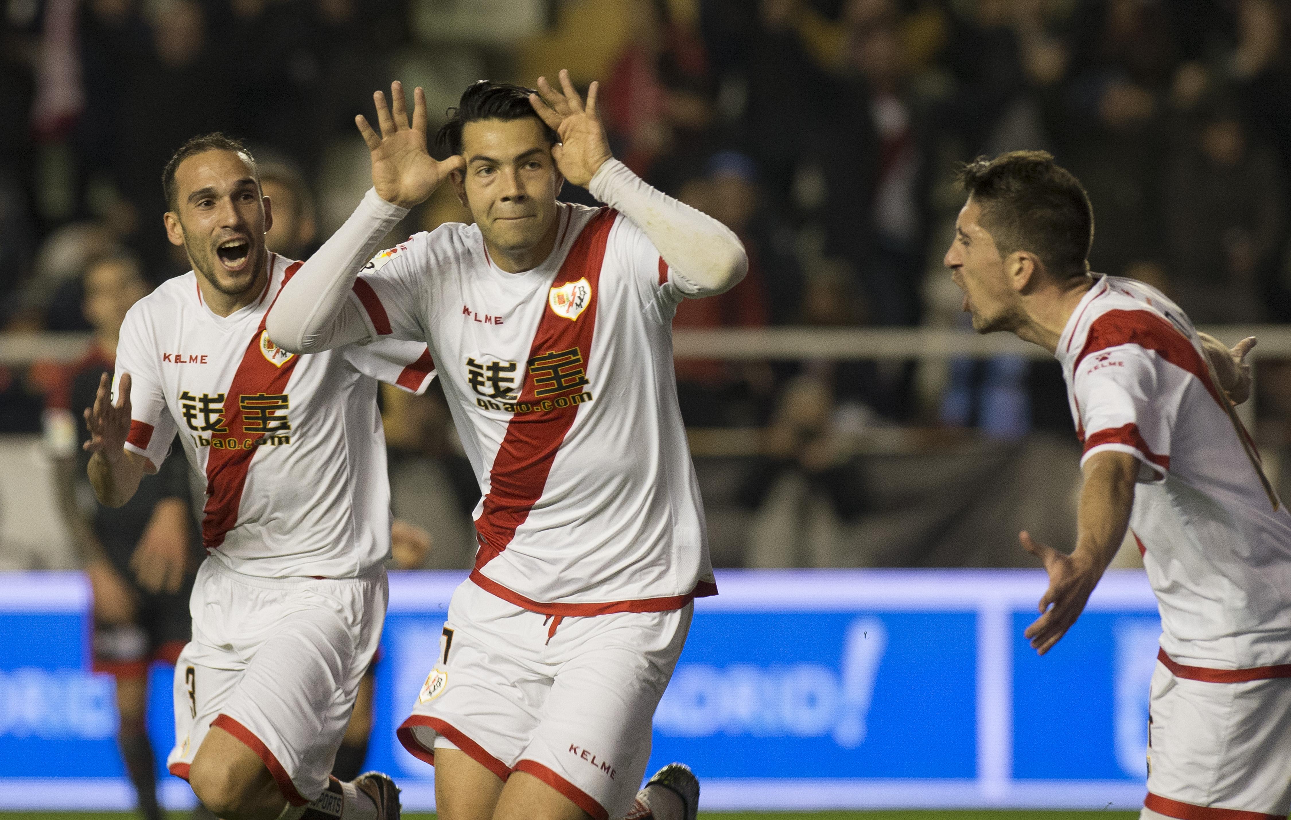 Rayo Vallecano 2 - Sevilla 2: El Rayo remonta un 0-2 y empata con gol del venezolano Miku ...
