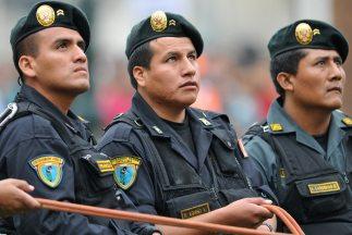 Policías de Perú.