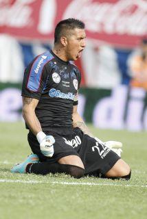 Pablo Migliore, arquero de San Lorenzo, uno de los clubes más populares...