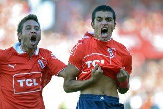 Tras vencer a Racing por 2-0 Independiente mantiene el sueño de permanec...