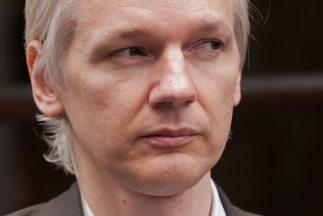El portavoz de WikiLeaks dijo que el arresto del fundador, Julian Assang...