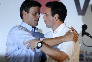 El opositor venezolano Leopoldo López renunció a sus aspiraciones presi...