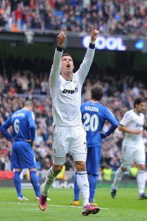 Aunque con apuros, pero el Madrid sacó el triunfo de forma contundente...