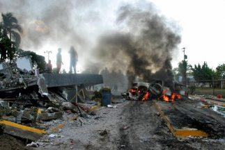 Hombres armados atacaran tres tiendas Oxxo en los límites entre Hidalgo...