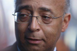 Políticos latinos apoyan a demócrata Bill Thompson para alcaldía Nueva Y...