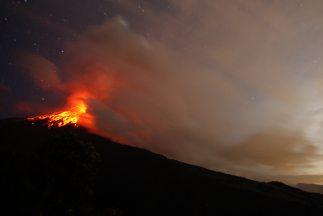 Ruge el volcán Tungurahua y lanza cenizas