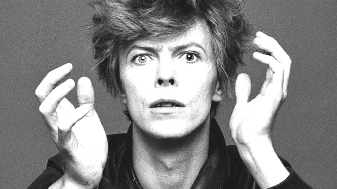 http://cdn4.uvnimg.com/86/7e/691da5bd46d09df7e872366a3ff7/David-Bowie.jpg