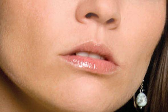 De estos labios saldrán muchas intrigas en nuestra próxima telenovela, ¡...