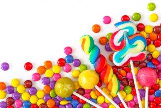 El pequeñito tiene que ser alimentado seis veces al día con dulces.