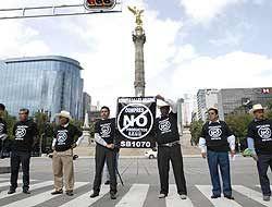 México redobla asistencia para sus nacionales en Arizona; mexicanos repu...