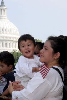 Un informe revela que la población hispana de California sobrepasará en...