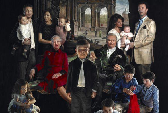 Una pintura que reúne a la Reina Margrethe II con su decendencia ha caus...