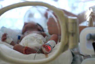Una madre de Las Vegas tuvo quintillizos y nacieron a los ocho meses de...