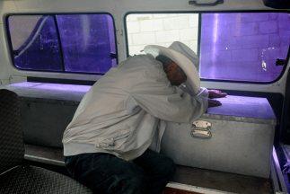 Suman 24 personas muertas tras ingerir alcohol adulterado en Honduras.