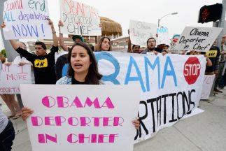 El gobierno de Obama deportó a más de 1.6 millones de indocumentados dur...