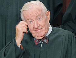 El Juez John Paul Stevens anunció su retiro de la Corte Suprema de Justi...