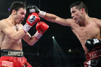 Martínez recuperó el título de peso medio al vencer al mexicano Chávez e...