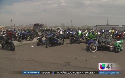 Destruyen decenas de motocicletas ilegales que fueron confiscadas en Nue...