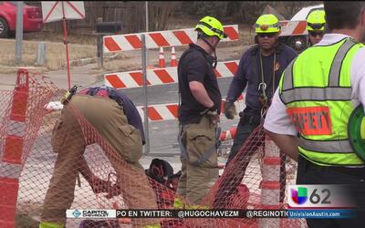 Un trabajador sufre serias lesiones tras caer en una zanja