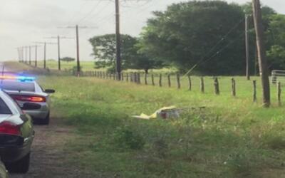 Roban carroza fúnebre en Texas y abandonan el cadáver en la carretera