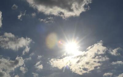 Residentes de Cícero disfrutaron las altas temperaturas que no se sentía...