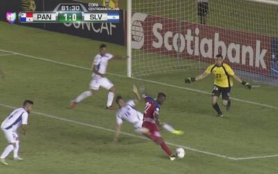 Abdiel Arroyo recibió su recompensa con gol por no bajar los brazos
