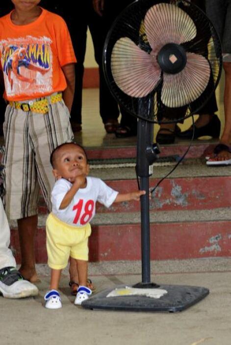 Junrey Balawing reemplaza al nepalí Khagendra Thapa Magar, que mide 67,0...