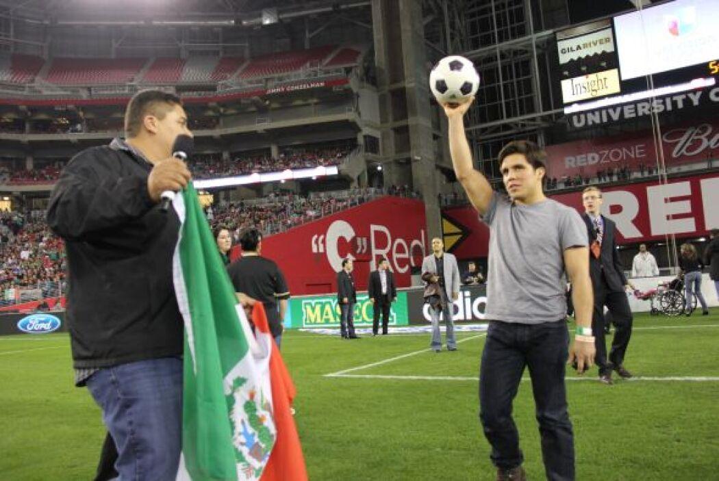 El desafío: marcar un gol en contra del medallista olímpico Henry Cejudo.