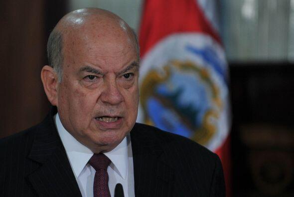 Insulza estará en Tegucigalpa menos de 24 horas debido a que la OEA, Ven...