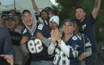 Fanáticos de Cowboys y Redskins celebran el día de Acción de Gracias asi...