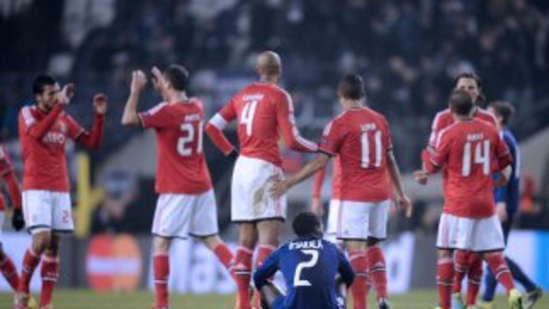 Benfica celebra su triunfo de último minuto ante un decepcionado Anderle...