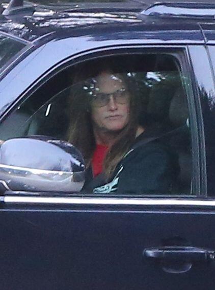 En él, se dice que la ex pareja de Bruce, Kris Jenner se encuentra en co...