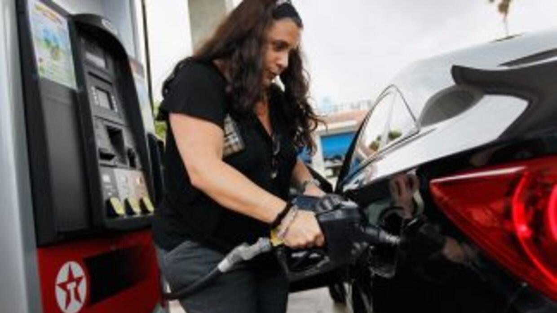 El galón de la gasolina regular en EU se vende en promedio en$3.92.