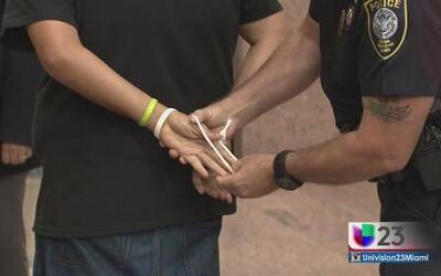 Arrestados manifestantes por desobediencia civil
