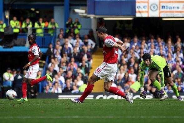 Arsenal respondió antes de los 30' y empató con un tanto de Robin Van Pe...