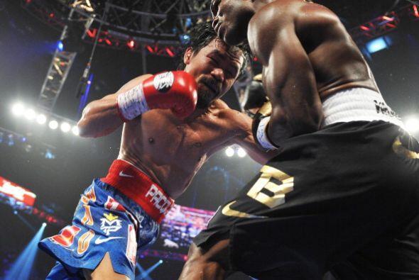 Al final de los asaltos Manny Pacquiao cambiaba y se lanzaba al ataque,...