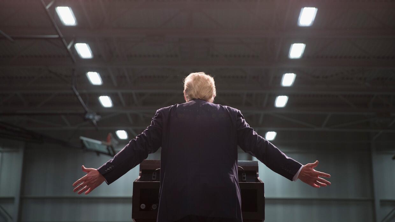 El candidato republicano Donal Trump y sus famosas manos.