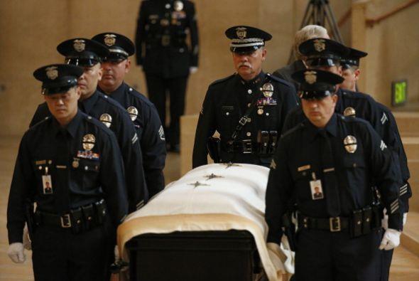 Familiares, amigos y miles de oficiales de distintas fuerzas de segurida...
