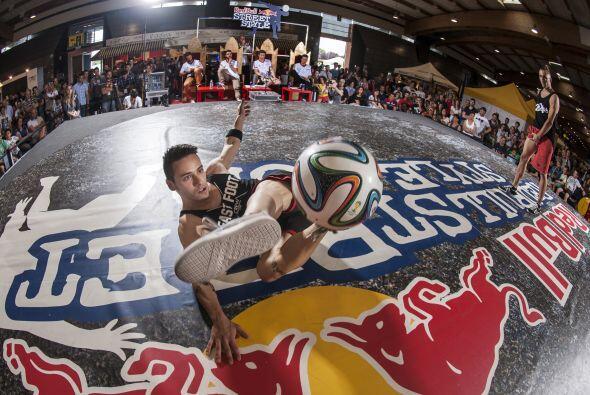 Red Bull Street Style es el torneo de fútbol freestyle más...