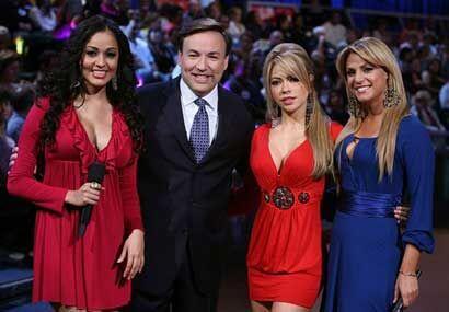 Claudia Molina es una de las chicas que engalana las noches de los s&aac...